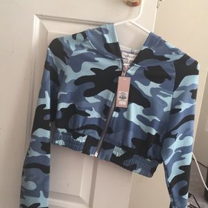 Sweaters - Blue camo cropped sweater